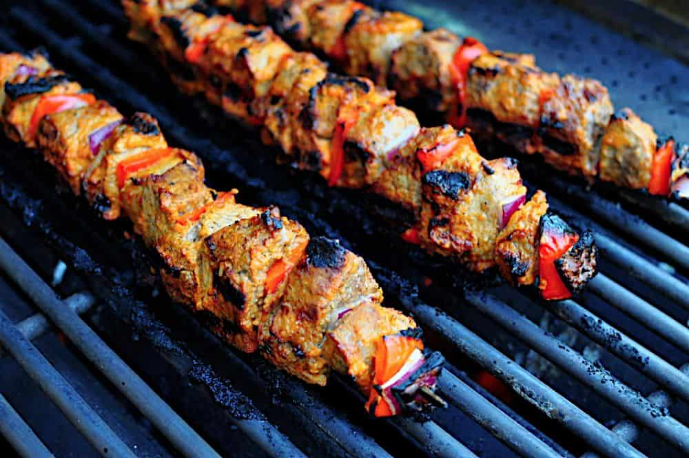 Grilled Beef Kebabs with Tomato, Onion, Lemon, and Thyme Marinade ...