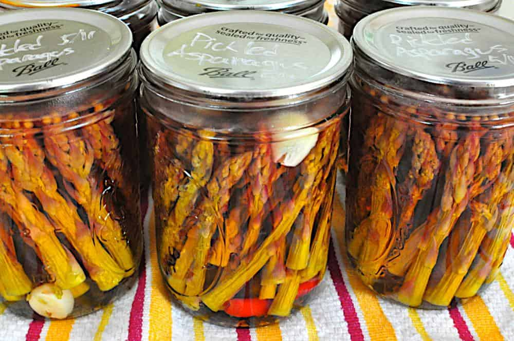 Pickled Asparagus With Hot Peppers and Garlic - Dad Cooks Dinner